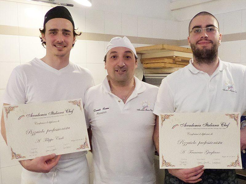 Scuola di cucina diplomati due pizzaioli gli artisti - Scuola cucina bologna ...