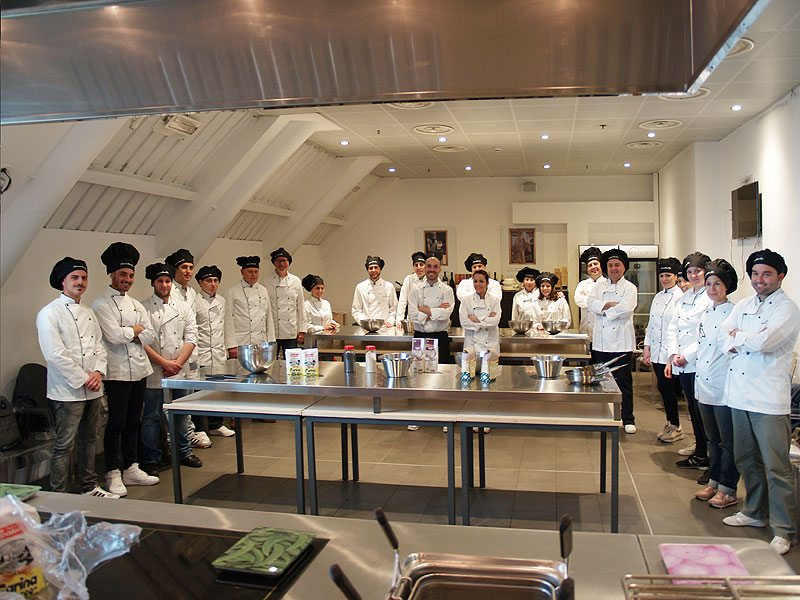 Scuola di cucina benvenuto agli allievi del corso di cuoco - Scuola di cucina roma ...