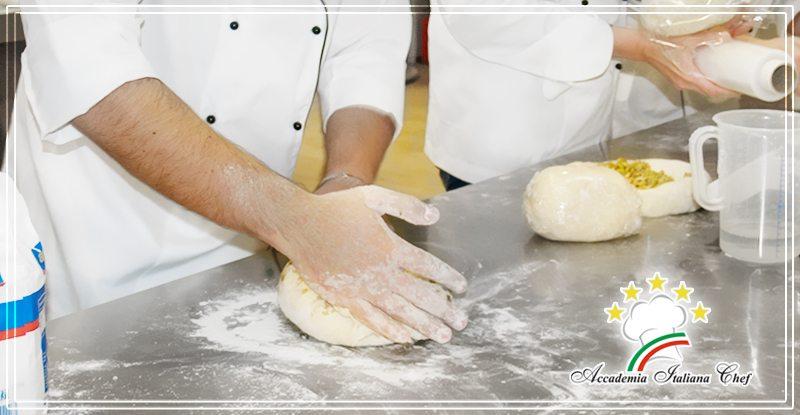 preparazione impasto della pizza