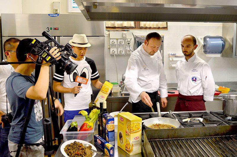 Scuola di cucina china channel young intervista falcini - Scuola cucina bologna ...