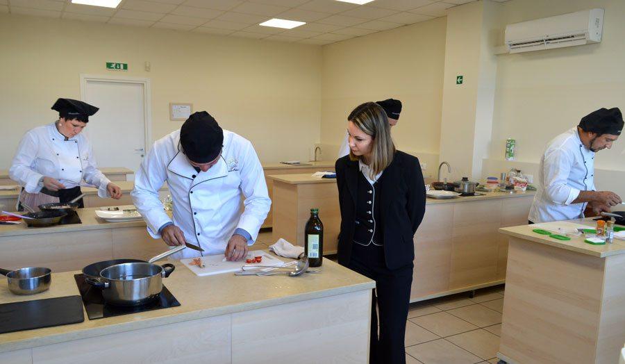 Scuola di cucina corsi di cucina professionale con esami - Corsi di cucina roma ...